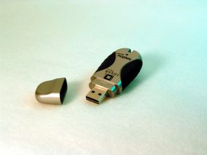 flash-drive-155970-m.jpg