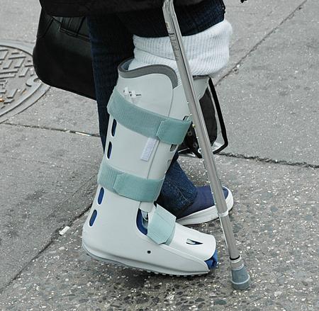 orthopedic-leg-brace-1258501